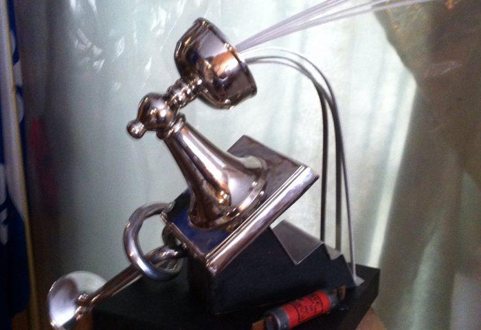 Vers l'électrique - Sculpture par A. Destroismaisons